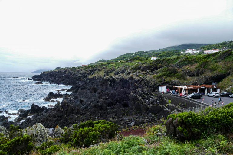 snack sur la côte de Calheta De Nesquim sur Pico aux Açores