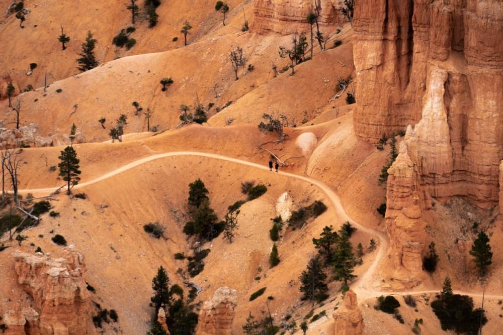 randonneur dans bryce-canyon-inspiration-point