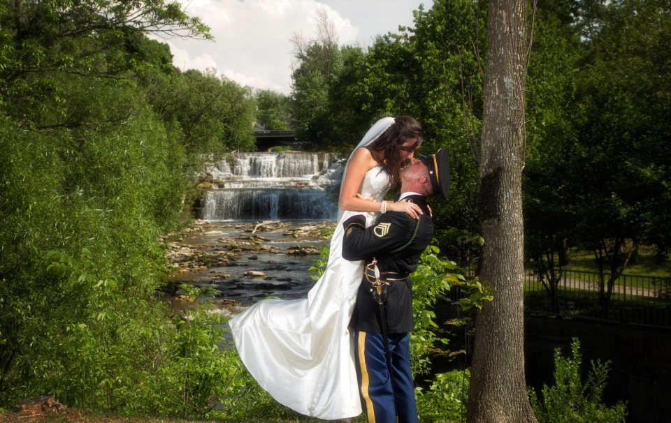 Buffalo-wedding-photography-Bride-and-groom-glen-falls