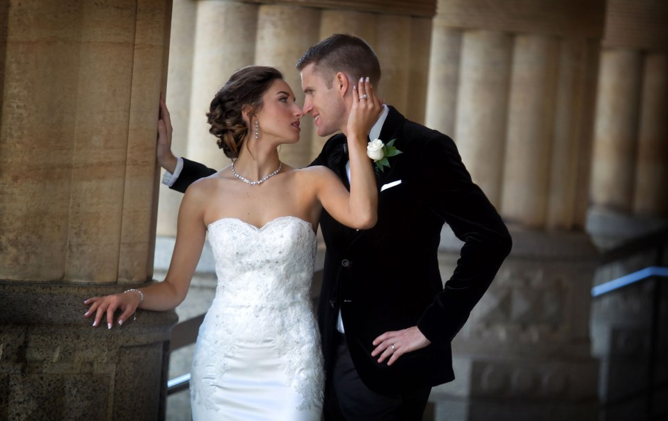 Buffalo-weddings-bride-and-groom-City-Hall-2