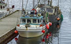 CANADA TO EASE RELATIONS BETWEEN COMMERCIAL AND INDIGENOUS FISHERS