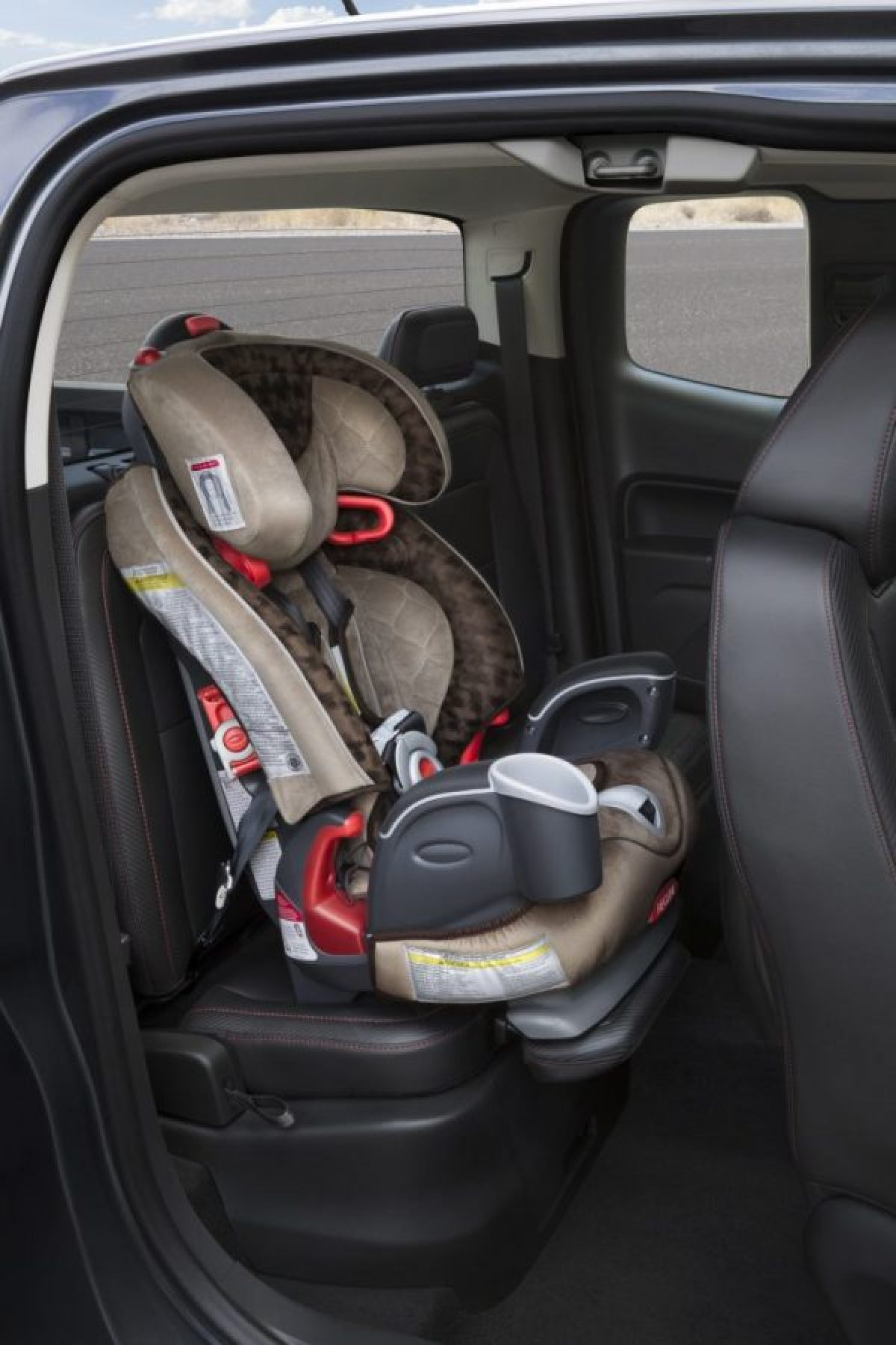 2015 GMC Canyon Extd Cab Child Seat Extension