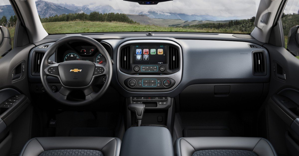 Interior of Chevy Colorado for 2015