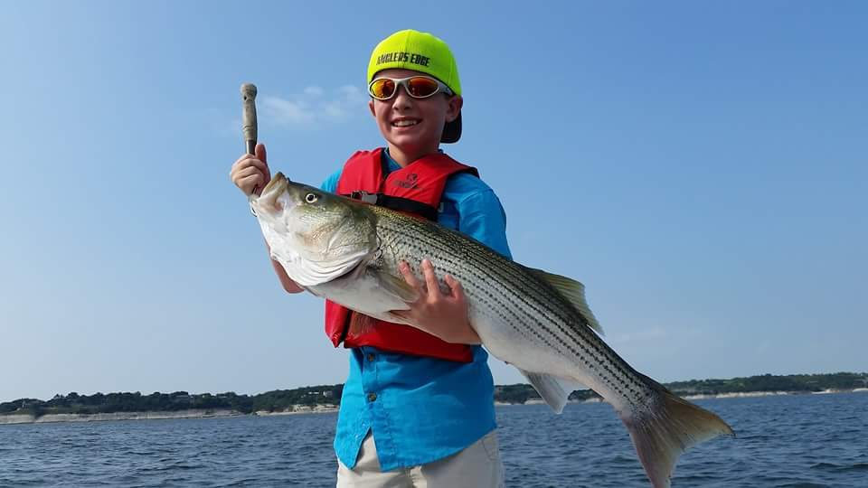Barrett sets junior angler lake whitney record for Lake whitney fishing