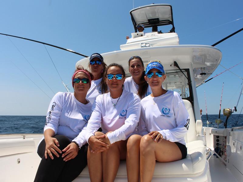 womans fishing team