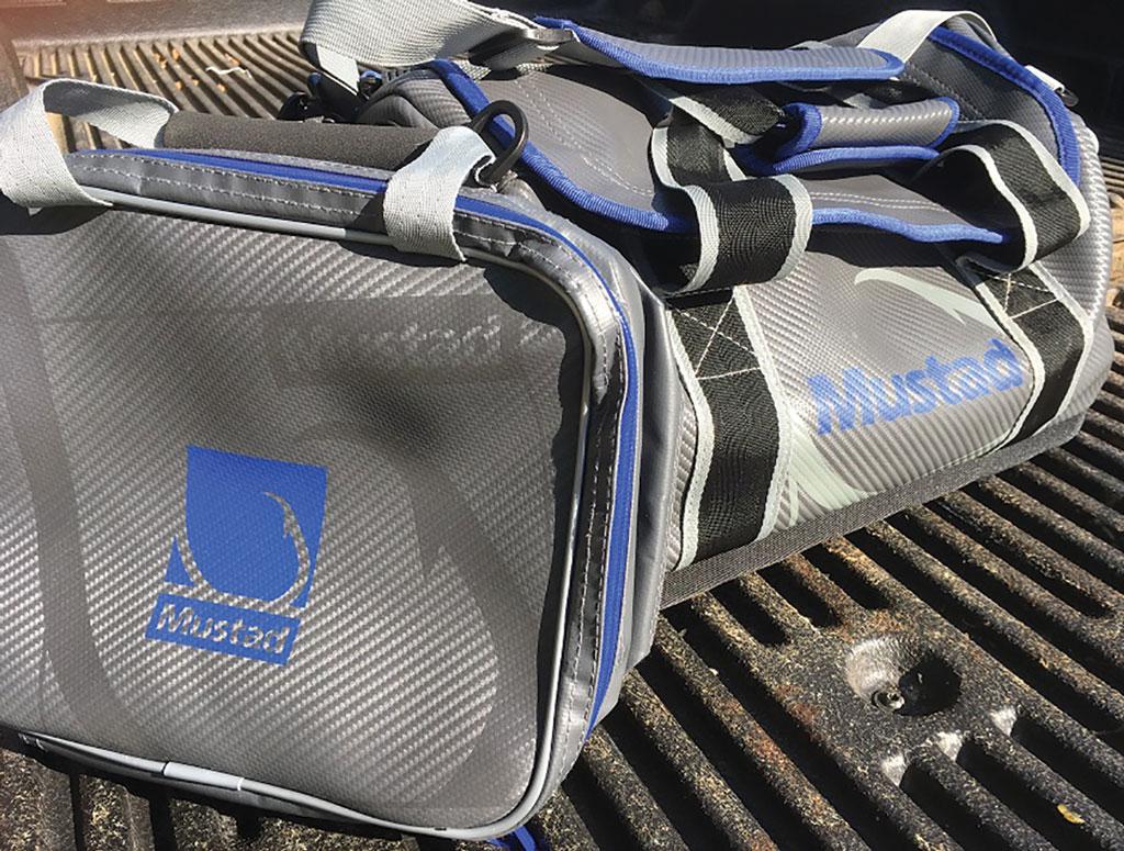 Mustad Dry Boat Bag
