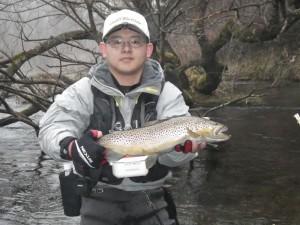 天野さん。千歳川ブラウン50cm
