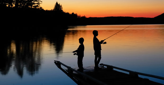 Best time to fish fishing by boys 39 life for Fishing times free