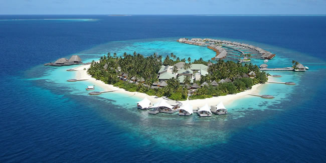 One of many beautiful islands on the Maldivian atolls