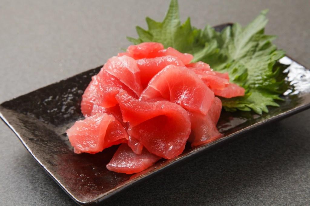 sliced raw Bluefin Tuna kiriotoshi