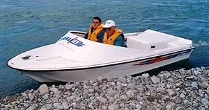 The Aqua Jet is easy to handle both in and out of the water.