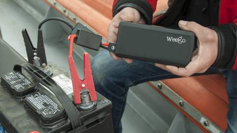 This Smartphone-Sized Battery Can Start a Truck or a Boat