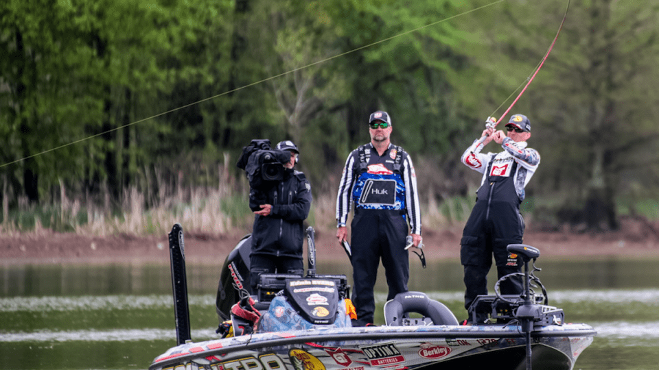 "Outdoor Channel's ""Major League Fishing"" Continues Top Ratings in 2Q  MLF ranks No. 1 in second quarter ratings"