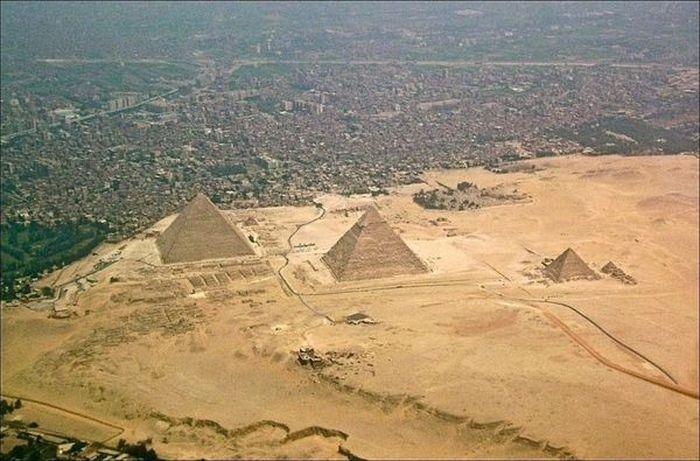 La presión urbana sobre las pirámides 1