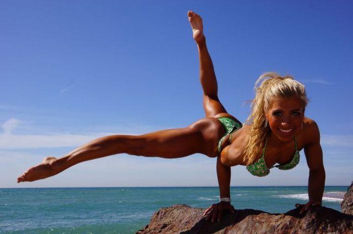 Подборка спортивных девушек  (58 фото)