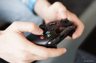 jugando a videojuego