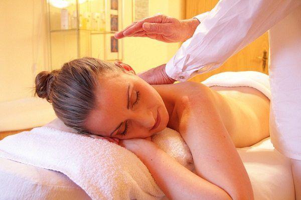 Beneficios del Masaje Terapéutico frente a la Fisioterapia