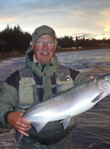 Fiskerejse-til-Vancouver-Island-efter-sølvlaks---ejner-med-sølvlaks