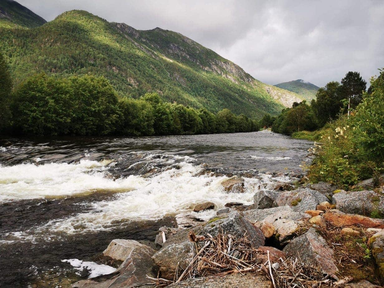 Todalselven i Norge med fiske-eventyr (3)