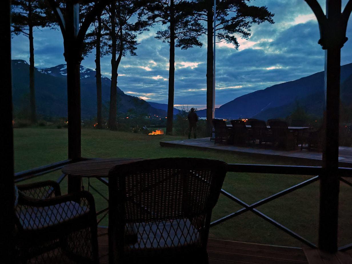 Todalshytten efter solnedgang