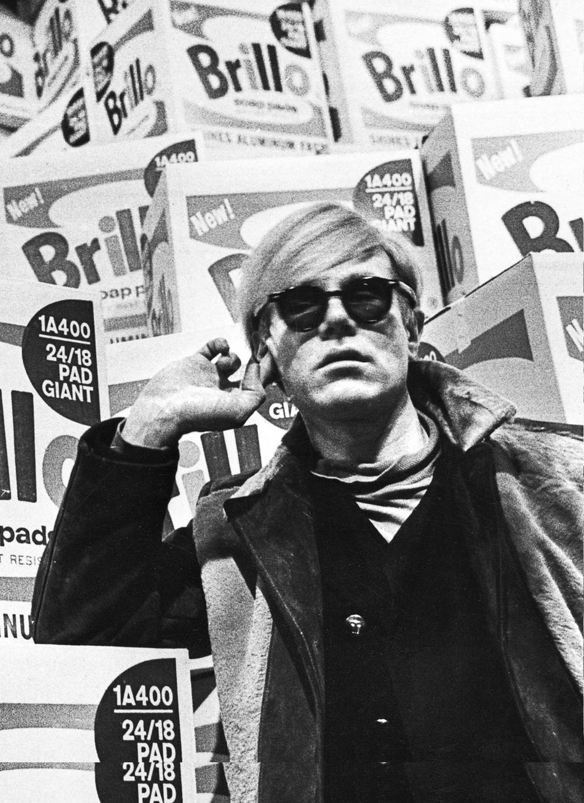 Andy warhol Crisco disco. Photograph of the American artist Andy Warhol in Moderna Museet, Stockholm, before the opening of his retrospective exhibition. Brillo boxes in the background.