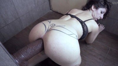 Anal Queen Argendana Stretching Her Ass with a Huge Dildo