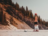 Your average head stand mid-hike