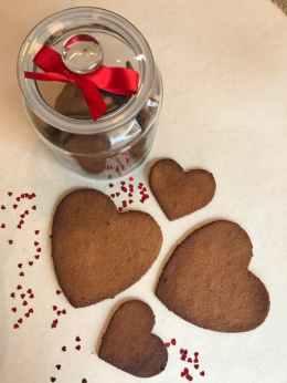 biscuits paleo en forme de coeur