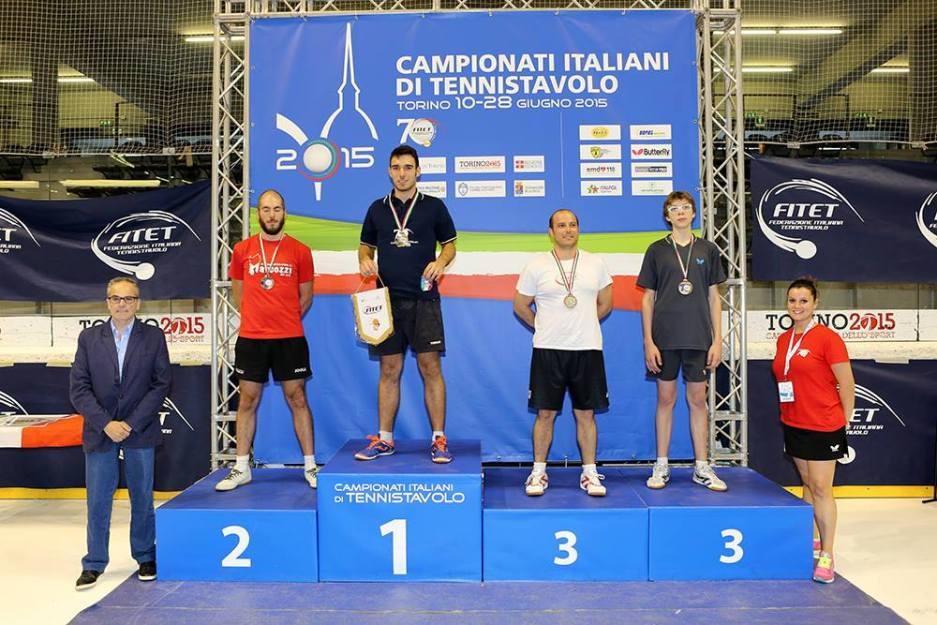 Il podio del singolo maschile quarta categoria (Foto Fitet)