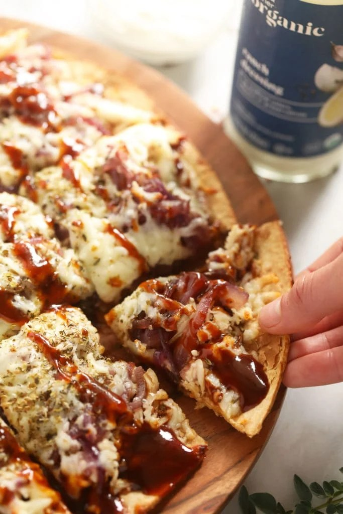 bbq chicken pizza with bbq sauce