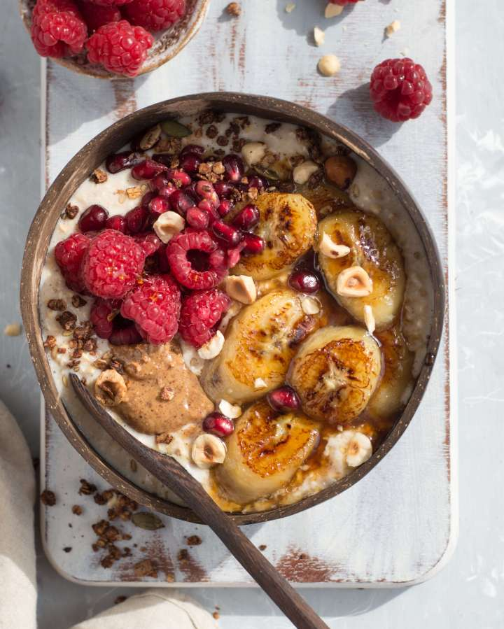 SHOW STOPPER OATMEAL RECIPE WITH CARAMELISED BANANAS