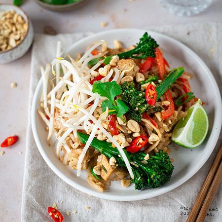 Vegan Pad Thai with tofu, broccoli & lime