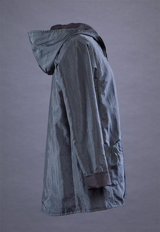Two-sided Travel Raincoat - side view