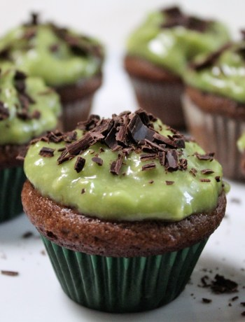 Paleo St Patrick's Day Mini Cupcakes, gluten-free thin mint