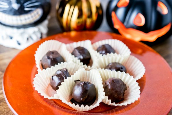 Paleo Chocolate Pumpkin Truffles