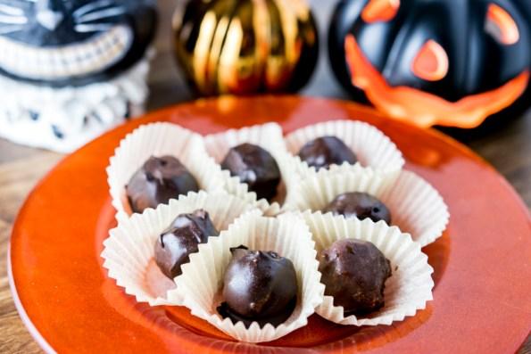 Paleo Chocolate Pumpkin Truffles