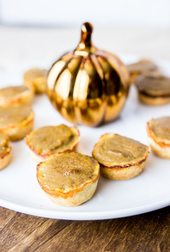 Paleo Mini Pumpkin Pies