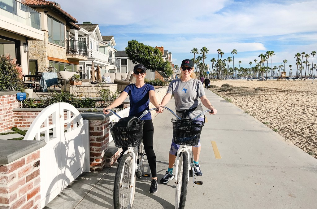 Balboa Island, CA: the best place to ride beach cruisers + other girls weekend adventures