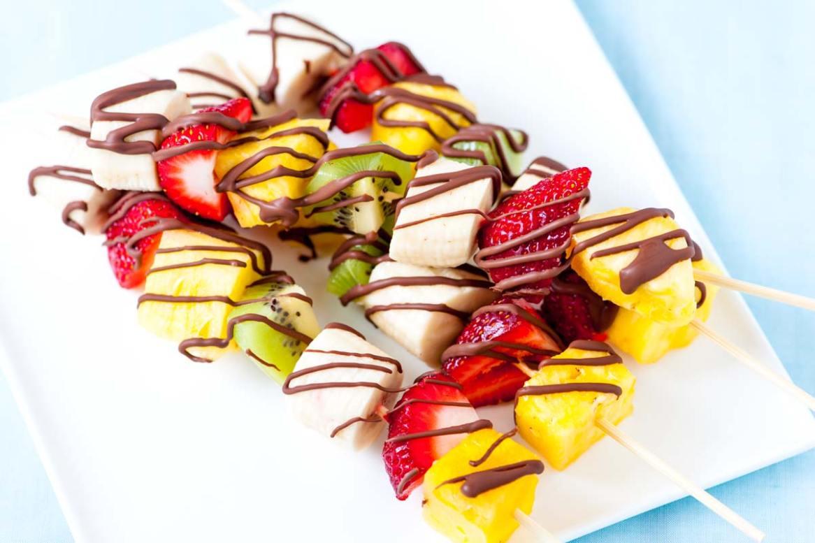 Composizioni Facili Di Frutta spiedini di frutta fresca: trionfo di sfiziosa semplicità