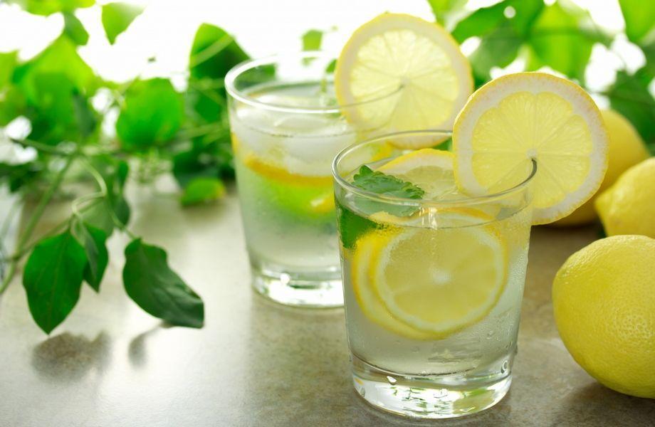 Acqua e Limone al mattino a digiuno