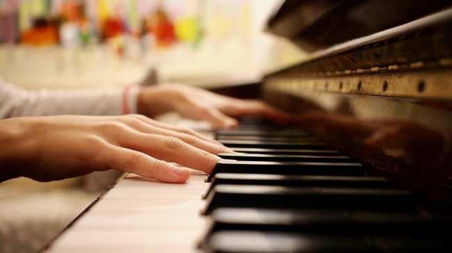 Pianoforte: i benefici di suonare questo strumento per adulti e bambini