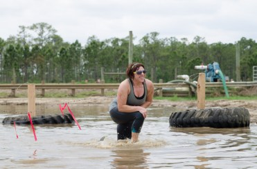 woman-mud-run-race