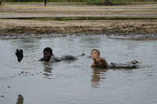 kids-playing-in-the-mud-run