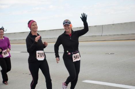 runner waving