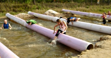 girl-in-mud-run-obstacle-course