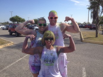 people-flexing-at-color-vibe