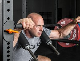 Safety Squat Bar: The 3 Best Options to Choose From