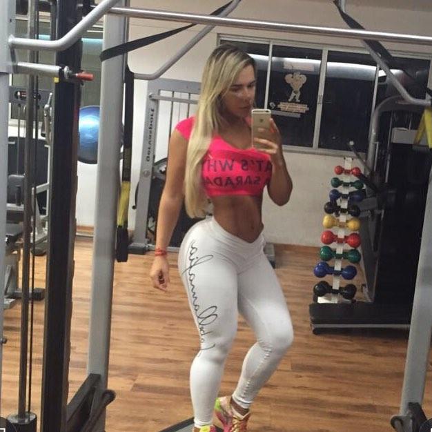 Rafaela Ravena (23)