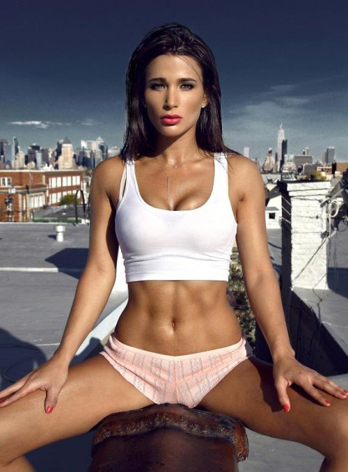 girls with abs (15)