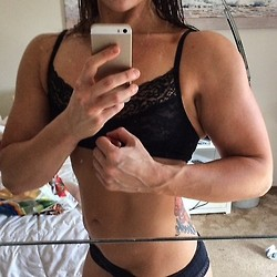 girls with muscle (56)